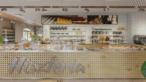 Hisztéria cukrászda: A 2020-as ország tortájának az otthona sem mindennapi